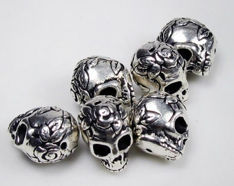 20 Silver Tierracast  Skulls with Roses Beads