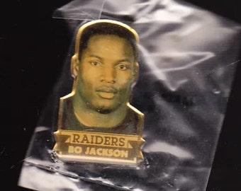 Vintage Bo Jackson Los Angeles Raiders Lapel Pin Bo Knows Football 1990 new deadstock hat cap snapback