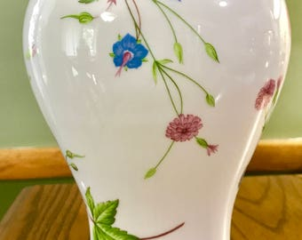 Beautiful HAVILAND LIMOGES Floral VASE Danbury Mint France