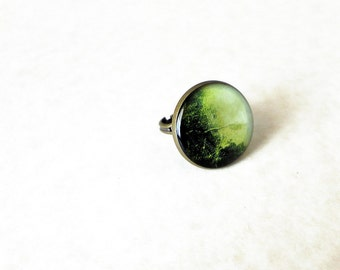 Green resin bold ring / Whimsical seaweed ring / Antique bronze ring / Nature jewelry / Botanical jewelry / Cool gift / FREE SHIPPING