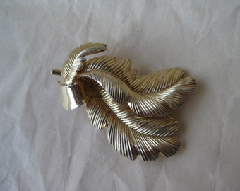 Feather Gold Brooch Vintage Pin