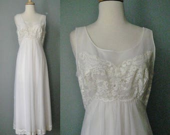 Ivory Night Gown / Vtg 60s / Shadowline Full Length Ivory Lace bodice night gown / Maternity night gown