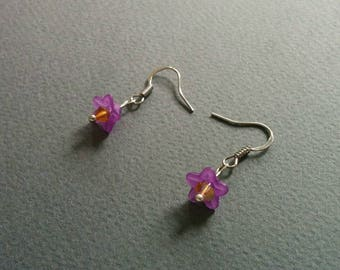 Lilac. Crystal and acrylic delicate earrings.