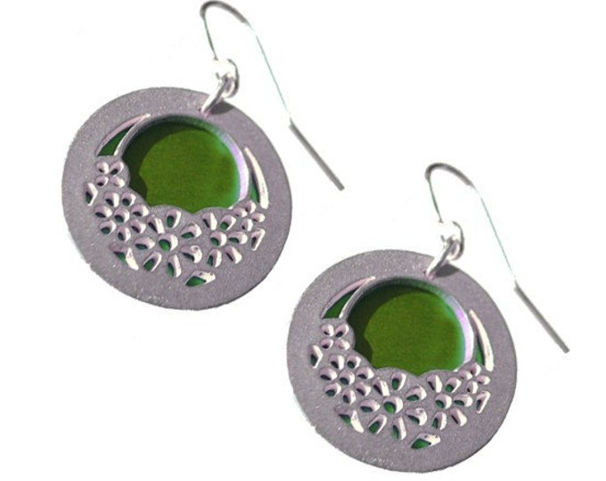 Reversible WHEELS Earrings with lime front and green back