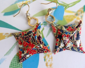 earrings with spiral stars red and multicolored and Golden heaxogones