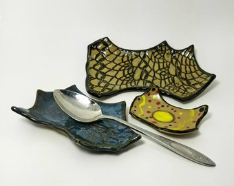 Spoon rest, Ceramic, pottery, ring dish, whimsical, catchall tray, Teaspoon rest, paper clip holder, desk organizer set, unique item
