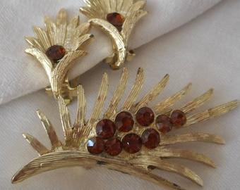 VINTAGE Amber Rhinestone in Gold Metal Leaf Design Costume Jewelry Brooch Earring Set