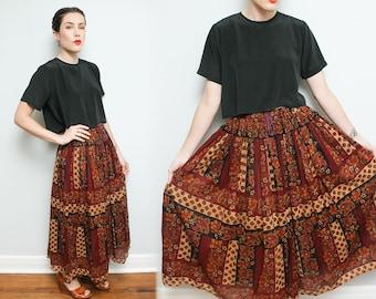 Maxi Hippie Skirt // 90s Paisley Floral Festival Skirt // Long Burgundy High Waist Full Skirt Size Medium