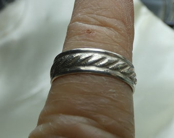 Sterling silver toe ring or finger ring- sz 3 closed- will open - 5mm wide- 2611