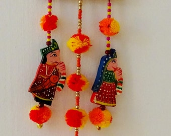King Queen Pompoms Wall Hanging / Door Hangings / Indian Traditional King  Queen Wall Hanging / Home Decor