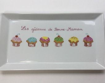 Cupcake tray with bright colors