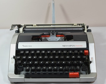 Typewriter. Remington Performer Portable 1974 Fully serviced