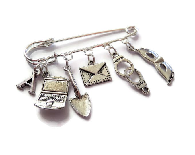 Pretty Little Liars inspired silver tone Kilt Pin Brooch Shawl Brooch Fan Gift Jewellery Bag 5 Charm Uk