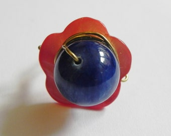 Wire wrapped ring with red shell flower and blue jade gemstone, gold wire, statement, cocktail ring, red and blue, flower shape