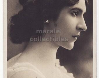 Miss Myrrthal, Belle Epoque Marigny Paris Theatre Actress, Beautiful Woman Profile Portrait, 1900s vintage Reutlinger real photo postcard