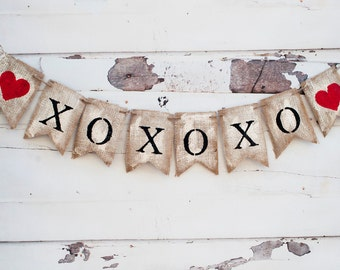Rustic XOXOXO Burlap Banner, Painted XOXO Banner, Valentines Decor, Valentine Photo Prop B049