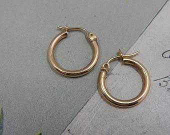 Pure 14k Gold Small Hoop Pierced Earrings    PG19