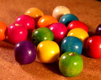 30 natural wooden beads painted multicolored 14 mm B17