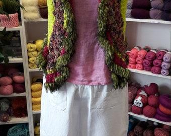 Extravagant vest in the Hippistyle