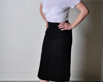 Vintage Giorgio Armani High Waisted Wool Skirt