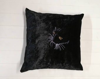 Embroidered Cat Cushion, Crushed Velvet Cat Cushion, Decorative Cushions, Embroidered Pillow featuring a cat's face, UK Seller