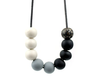Black and White Statement necklace, Monochrome necklace, Black and pearl necklace, statement necklace, black bead necklace, black and white