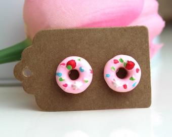 Donut earrings // kawaii earrings // cute unique earrings // pink donut earrings