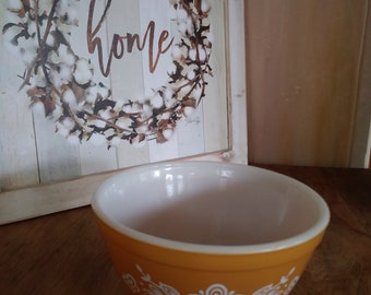 Vintage Pyrex Butterfly Bowl 501 1 1/2 PT  Small Harvest Gold 1960 60s 1970 70's Glass Dish Kitchen