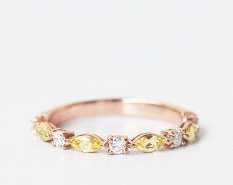 yellow sapphire and diamond ring, yellow sapphire ring, yellow sapphire engagement ring, yellow sapphire ring gold