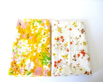 Vintage Pair pillow cases, bed pillow cases, vintage bedding, floral pillow cases, 70s pillow case, yellow cream, spring flower fabric, king