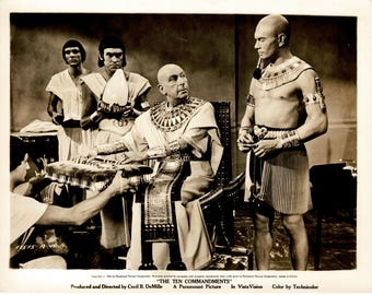 The Ten Commandments - 1956 - Original  US B&W movie still -  Yul Brynner