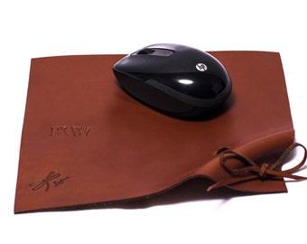 Leather Mousepad. Leather Mouse Pad, Leather Mat, Custom Leather Pad, Mens Woman's Gift, Handmade Leather Mousepad. Leather Roller mousepad.