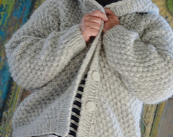 Short, light jacket with hood, alpaca wool, hand knitted