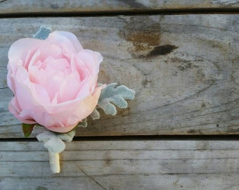Buttonhole BLUSH PINK PEONY Wedding Boutonniere for Grooms made with artificial silk peonies and dusty miller rustic vintage