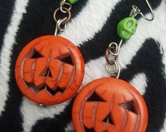 Merry Mangels Earrings -LIGHT GREEN SKULL-