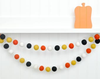 Halloween Party, Halloween Decor, Halloween Birthday, Halloween Bunting, Orange and Black Felt Ball Garland Halloween Garland Halloween Sign