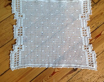 White crochet doily, handmade, dimensions 36x31cm.