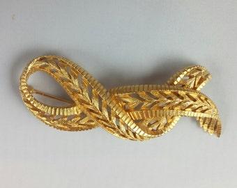 Hattie Carnegie Ribbon Brooch