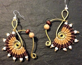 These earrings spiral macrame - earrings in shades of golden/brown - jewelry macrame - birthday gift