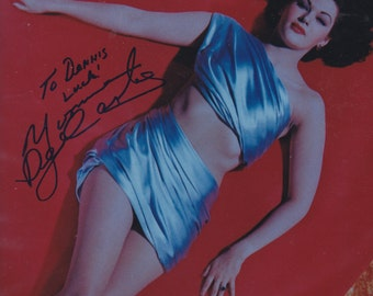 Yvonne De Carlo    Actress  Singer  and  Dancer    8X10  Color  Photgraph    Signed