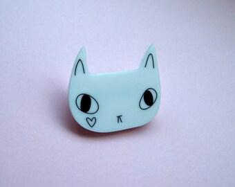 White Heart Cat Brooch - White Cat - Cat Brooch - Acrylic brooch - Acrylic jewellery - Laser cut jewellery - Cat jewellery - I like cats -