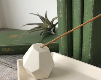 Détenteur de l'encens en porcelaine, Design moderne et géométrique intérieur ou extérieur