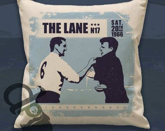 Dave & Billy - 45cm square cotton cushion cover - Print of the iconic encounter between Dave Mackay and Billy Bremner.