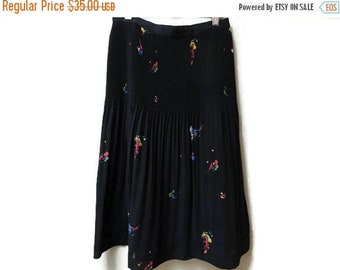 "SALE Black Pleated Skirt - High waisted Midi length - Floral print - Vintage 80s 90s - Small 27"""