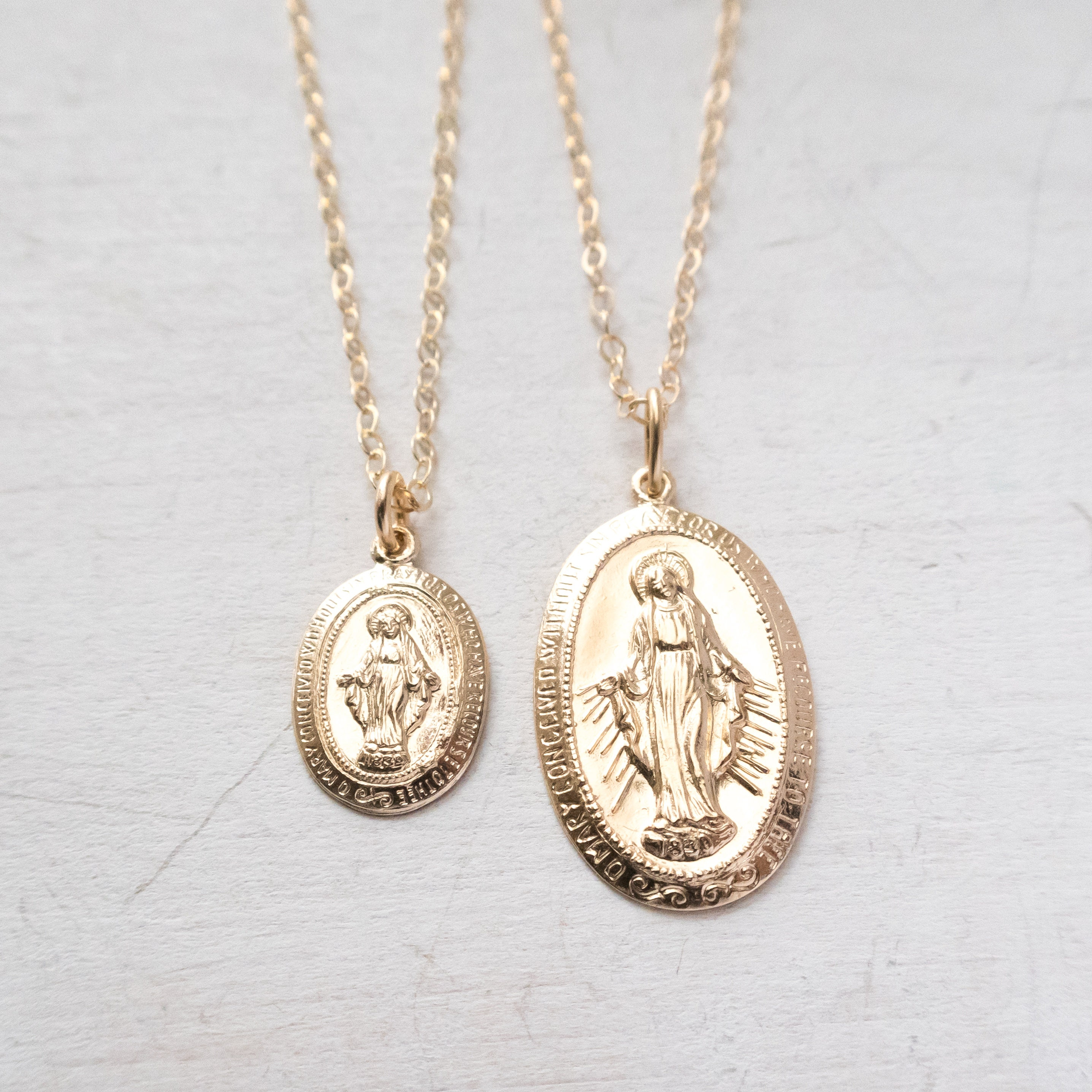 fullxfull gold mary virgin listing il round pieces pendant miraculous filled