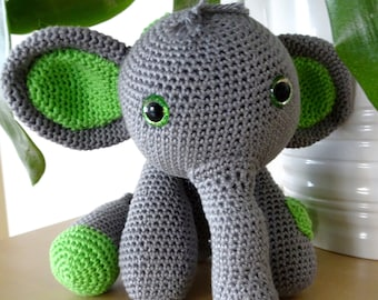 Clover the Elephant - Crochet pattern by Bolliewollie