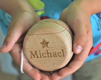 Personalised wooden yoyo, large or small size, any text or message, stocking filler, Gift, Present, Christmas, Birthday