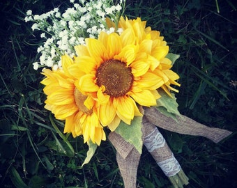 Sunflower and Baby's breath bouquet, burlap and lace bouquet, fall wedding flowers, rustic bouquet, country wedding, sunflower bouquet