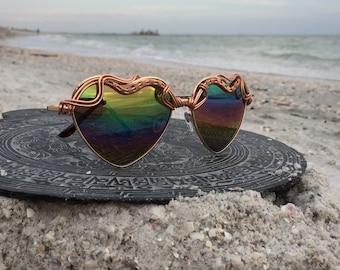 HEARTS Rainbow Reflective Artisan Sunglasses Women, Love Sunnies Eyewear Eyeglasses, Travel Fun Vacation Beach Summer Trend Sunglasses, NEW
