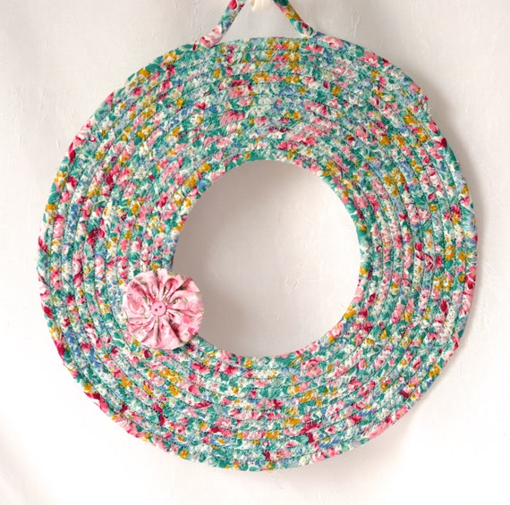 Cute Floral Wreath, Summer Door Hanger, Lovely Wall Art, Artisan Quilted Wreath, Handmade Floral Home Decor, Modern